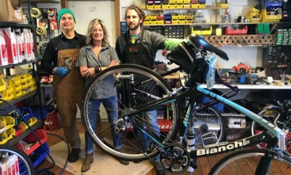 The gang at Niantic Bay Bicycles in Niantic, Connecticut.