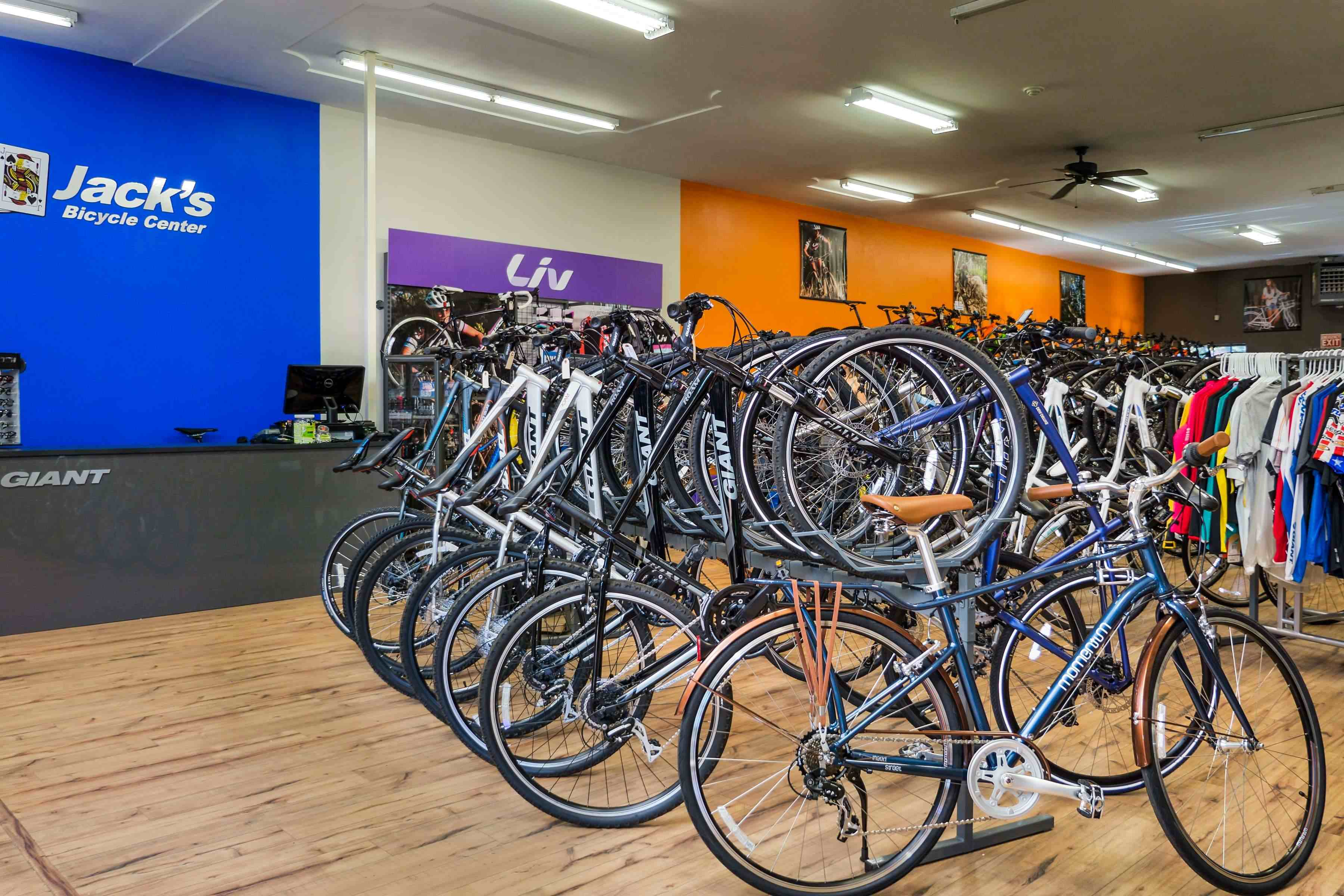 Jack S Bicycle Center Remodels Reopens As Giant Partner