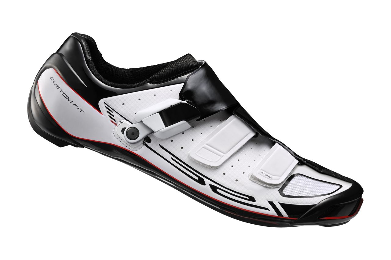 Photo: The new shoe is the SH-R321, the second generation of Shimano's Dynalast road shoes.