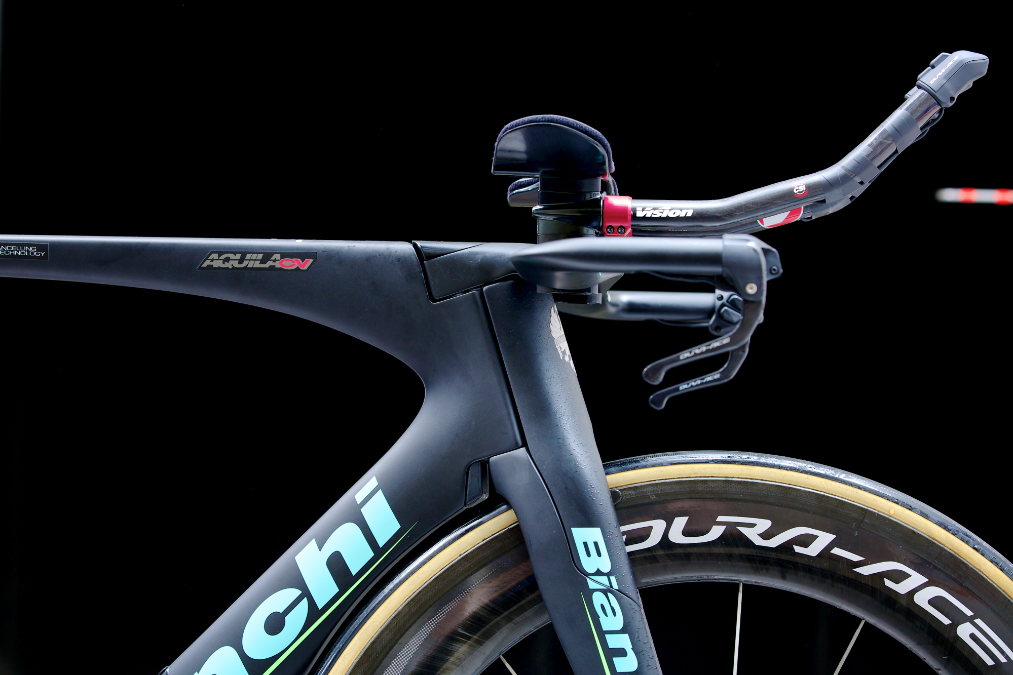 bianchi unveils new time trial  tri frame at the tour