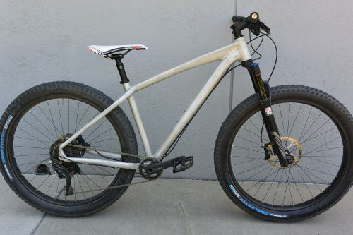 Prototype of the 2016 Felt Surplus 27.5-plus hardtail