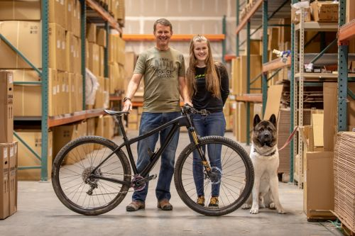 Hans and Lili Heim with a DV9 prototype.