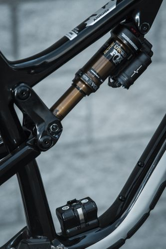 The original Live Valve system has various sensors, but none on the crank.