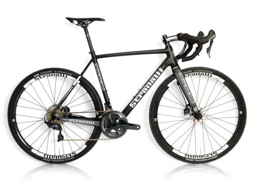 Stradalli T-700 full carbon gravel bike with Shimano Ultegra 11-speed.