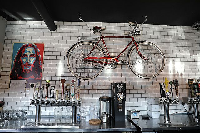 Surly shop cat, windmill tattoos, and avoiding Benjis on a Dealer ...
