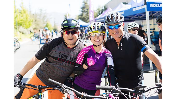 Hank Ku, owner of Giant Rowland Heights (left), poses with Giant CEO Tony Lo (right) before heading out on a demo ride. In the center is Giant Rowland Heights employee Carol Cheng. Photo by JPOV.