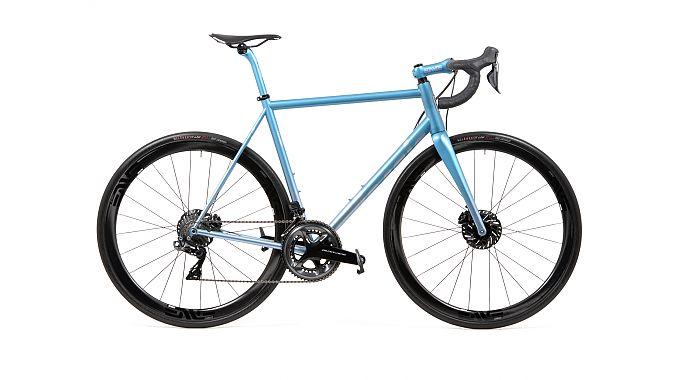 Mosaic Cycles' new RS-1 disc brake model features Columbus Spirit HSS tubing.
