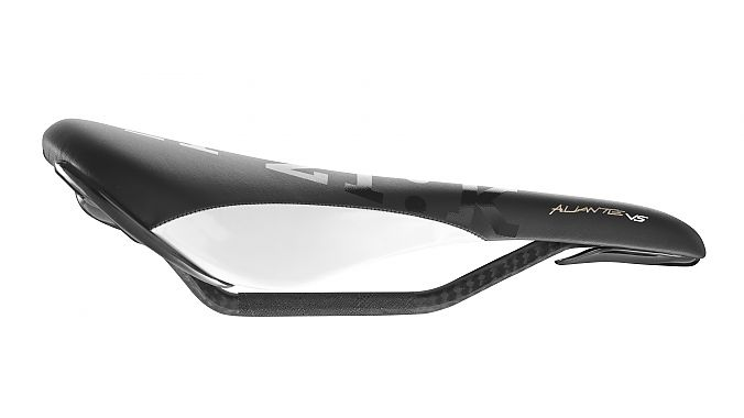 The Fizik Aliante Versus in black