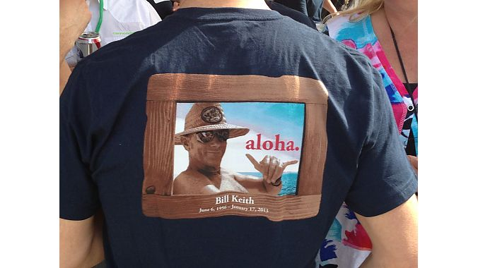 A Bill Keith memorial T-shirt remembered his love of surfing and Hawaii. Photo: Pat Hus
