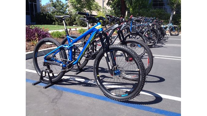 The 2015 Compulsion all-mountain model bumps up from 26-inch to 27.5-inch wheels for 2015.