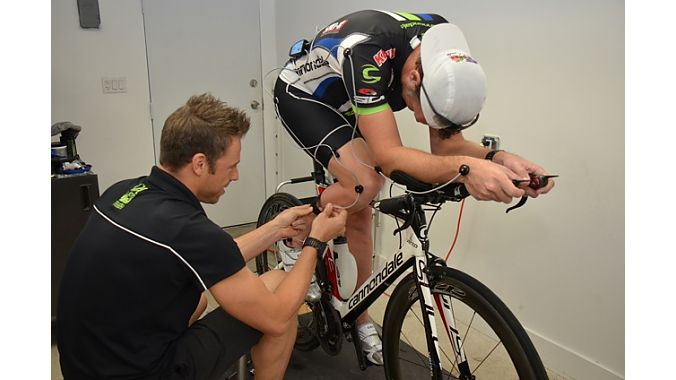 In a separate air-conditioned space steps away from Ultrabikex's main shop is its training and fitting studio equipped with Retül's fitting system. UltrabikeX does on average 25 fits per month. Full-time fitter Andreas Heuser works with several tri teams. The shop sponsors local Xterra races, and triathletes regularly drop in to train for Ironman and other local races on the studio's five CompuTrainers, allowing them to prepare on terrain not available on Miami's flat landscape.