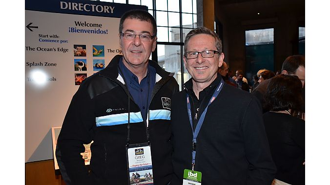 New Seattle Bike Supply president Greg Blackwell (left) and IBD Summit moderator Dan Mann of the Mann Group at the aquarium dinner