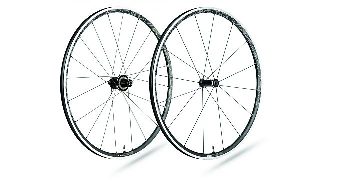 The new EA90 SLX wheelset
