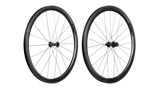 The SES 3.4 wheels will be available in rim- or disc-brake options, in clincher or tubular.