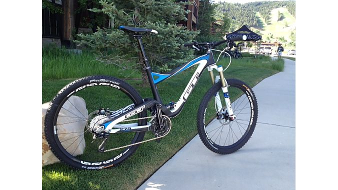 GT's new Sensor Carbon trail bike