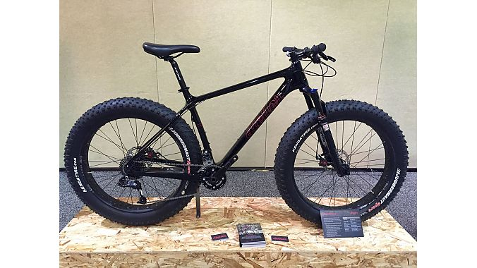 Retailers saw for the first time the Heller Bloodhound spec'd with a Bluto fork. The full carbon steed retails for $2,599 with a Bluto, and $2,199 for the full rigid model.