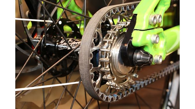 Paketa Bikes made a two-speed belt drive mountain bike with cog and chainring sizes that produced equal belt lengths.