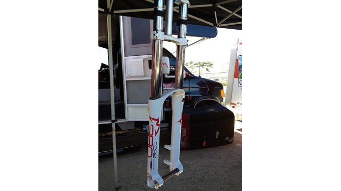 The Marzocchi 380 C2R2 Titanium commemorates the 10th anniversary of the 888 downhill fork.