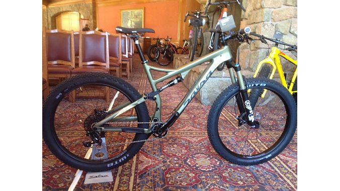 The Ponyrustler 120-mil trail bike rolls on 27.5-plus wheels.