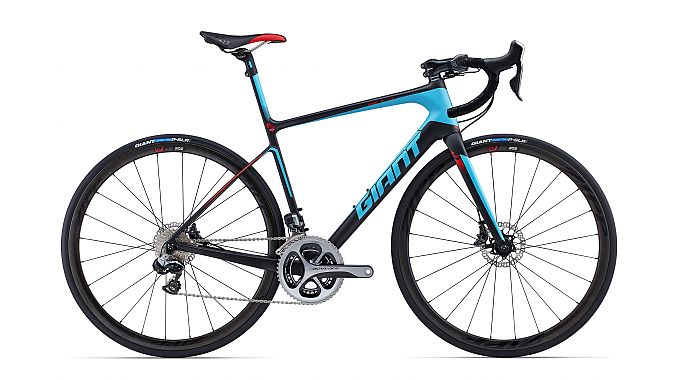 The 2015 Defy Advanced SL 0 has integrated disc brakes and Di2 shifting.
