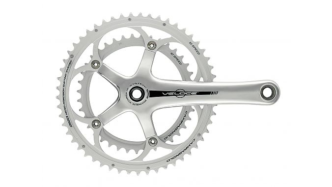 Veloce 2015 has an alloy five-arm crank.