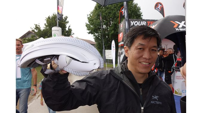 Josh Hon shows Tern's new folding helmet, a nice piece for commuting or travel.