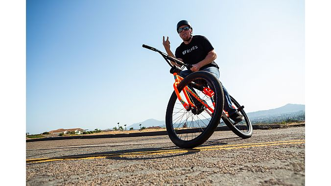The special-edition dayglo orange 1987 Dyno Pro Compe, inspired by Dave Voelker, has been beefed up from the original with a chromoly frame and fork and 29-inch wheels.