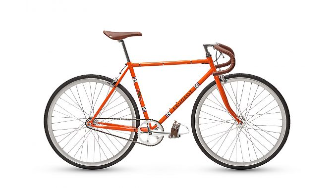 The Peugeot LR01 Fixie is also part of the Legend line.