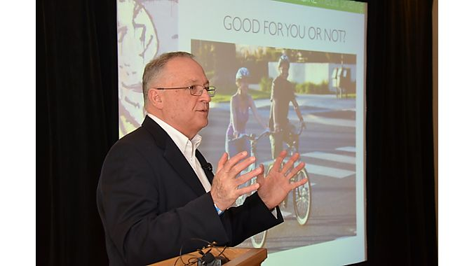 Bill Moore, publisher of EVWorld.com, gave the keynote. Photo: Gary Newkirk