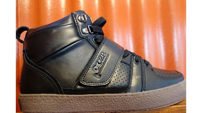 Urban cycling sneaker brand DZR showed its first bicycle polo-specific shoe. It has extra padding around the ankle to fend off mallet strikes.