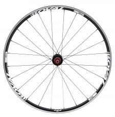 The 724 rear wheel has a 2:1 spoke lacing pattern.