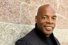 Alonzo Bodden will host the awards for the second time.