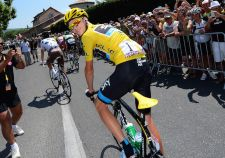 Chris Froome shows off his Fizik.