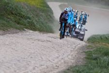 Factor Bikes is sponsoring the Ag2R La Mondiale team.