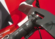 The new S5 has a Cevelo-branded aero drop bar.
