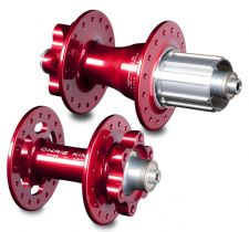 The Chris King R45D hubset in red