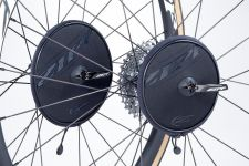 The new Zipp Rotor Protectors come in two sizes.